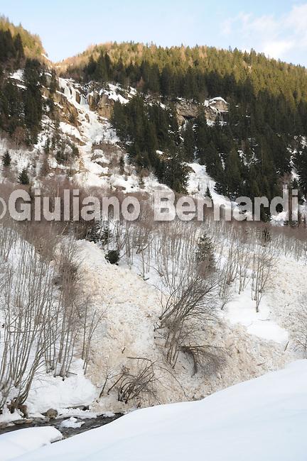 Val di Pejo in inverno, immagini dei villaggi,delle montagne, delle baite, delle piste di sci e attivit&agrave; sportive,<br /> Pejo in winter, images of the villages, mountains, mountain huts, the ski slopes and sporting activities,<br /> Pejo im Winter, Bilder der D&ouml;rfer, Berge, Bergh&uuml;tten, den Skipisten und sportlichen Aktivit&auml;ten,<br /> Pejo en hiver, les images des villages, des montagnes, des cabanes de montagne, les pistes de ski et des activit&eacute;s sportives,<br /> Pejo en invierno, las im&aacute;genes de los pueblos, monta&ntilde;as, refugios de monta&ntilde;a, las pistas de esqu&iacute; y actividades deportivas,<br /> Pejo fi fasl alshshata'a, sur min alquraa waljibal wal'akwakh aljabaliat, wamunhadarat alttazalluj wal'anshitat alrriadia,<br /> Pejo的冬天,鄉村,山區,山木屋,滑雪場和體育活動的圖像,<br /> 冬のペヨ、村、山、山の小屋、スキー場やスポーツ活動のイメージ,<br /> Pejo in de winter, beelden van de dorpen, bergen, berghutten, de skipistes en sportieve activiteiten,<br /> Pejo w zimie, obrazy wsi, g&oacute;r, schronisk g&oacute;rskich, stok&oacute;w narciarskich i uprawiania sportu,<br /> Pejo no inverno, as imagens das aldeias, montanhas, abrigos de montanha, pistas de esqui e actividades desportivas,<br /> Pejo t&eacute;len, a k&eacute;pek a falvak, hegyek, hegyi, a s&iacute;p&aacute;ly&aacute;k &eacute;s sporttev&eacute;kenys&eacute;gek