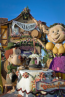 &quot;Oktoberfest&quot; Founder's Trophy - 2008<br /> beautiful entry built and decorated by volunteers from  Burbank Tournament of Roses Association