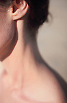 COU ET DECOLLETE/NECK AND LOW-NECKED