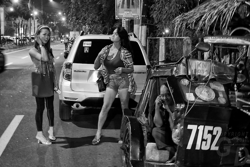 Street and Nightlife in Manila's red light district of Makati, Philippines
