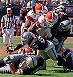 Oakland Raiders vs. Cleveland Browns at Oakland Alameda County Coliseum Sunday, September 24, 2000.  Raiders beat Browns  36-10.  Oakland Raiders running back Napoleon Kaufman (26).