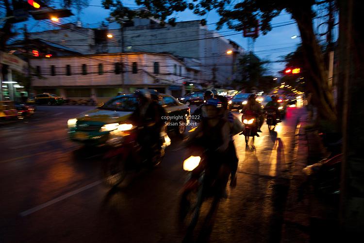 Evening on Samrarat Road