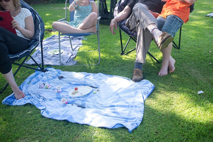 Alix, Niels, Bas, Felix, Lucas, Olive, Vita, Mitchell, John and Sarah in the garden at Thakston. Somerset, England, UK