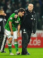 FUSSBALL   1. BUNDESLIGA    SAISON 2012/2013    17. Spieltag   SV Werder Bremen - 1. FC Nuernberg                     16.12.2012 Sokratis Papastathopoulos (li) und Trainer Thomas Schaaf (re, beide SV Werder Bremen)  sind nach dem Abpfiff enttaeuscht