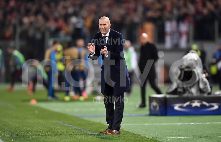 FUSSBALL CHAMPIONS LEAGUE  SAISON 2015/2016 ACHTELFINAL HINSPIEL AS Rom - Real Madrid                 17.02.2016 Trainer Zinedine Zidane (Real Madrid)