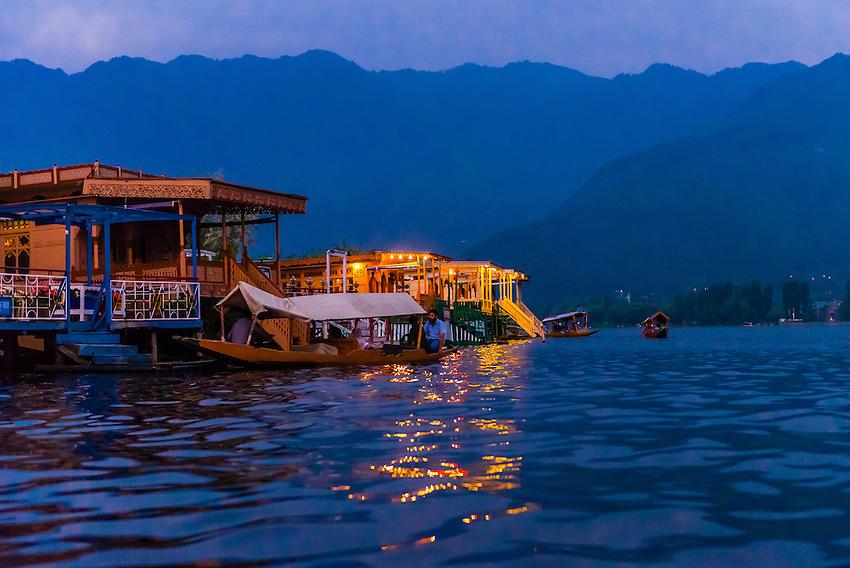 Houseboat Srinagar Tariff Houseboats Dal Lake Srinagar
