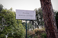Roma 16 Settembre 2015<br /> Il  sindaco di Roma, Ignazio Marino inaugura piazza Martin Lutero, padre della Riforma Protestante, nel parco del Colle Oppio accompagnato da una delegazione di deputati tedeschi.<br /> Rome 16 September 2015<br /> The mayor of Rome, Ignazio Marino inaugurates Square Martin Luther, father of the Protestant Reformation, in the park of Colle Oppio accompanied by a delegation of German MPs.