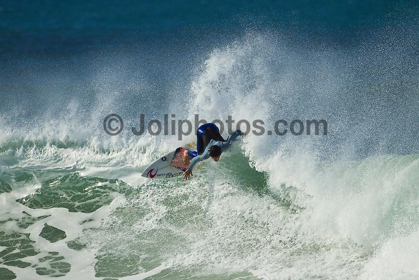 BELLS BEACH, Victoria/Australia (Wednesday, April 21, 2011) - Gabriel Medina (BRA) free surfing at Winki Pop during the Rip Curl Pro at bells Beach. - Photo: joliphotos.com