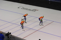 SCHAATSEN: CALGARY: Olympic Oval, 09-11-2013, Essent ISU World Cup, Team Pursuit Men, Koen Verweij, Sven Kramer, Jan Blokhuijsen (NED), ©foto Martin de Jong