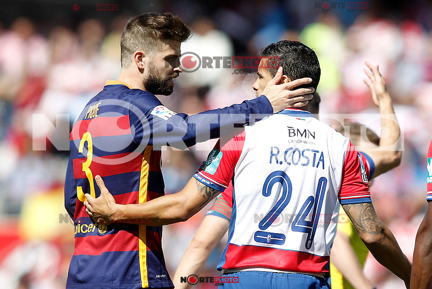 Granada's Ricardo Costa (r) and FC Barcelona's Gerard Pique during La Liga match. May 14,2016. (ALTERPHOTOS/Acero) /NortePhoto.com