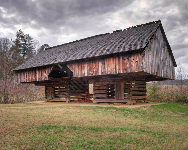Cantilever barn at the Tipton homestead, Cades Cove, Great Smoky Mountains national Park.