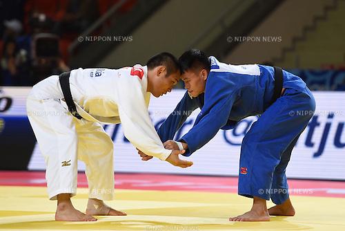 (L-R) Masashi Ebinuma (JPN), Duanbin Ma (CHN), AUGUST 25, 2015 - Judo : World Judo Championships Astana 2015 Men's -66kg 2nd round at Alau Ice Palace in Astana, Kazakhstan. (Photo by AFLO SPORT)