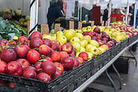 A display of apple varieties at a greenmarket in New York on Saturday, November 1, 2014. (© Richard B. Levine)
