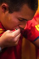 Kissing the spanish shield