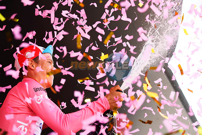 Bob Jungels (LUX) Quick-Step Floors retains the race leaders Maglia Rosa at the end of Stage 5 of the 100th edition of the Giro d'Italia 2017, running 159km from Pedara to Messina, Sicily, Italy. 10th May 2017.<br /> Picture: LaPresse/Fabio Ferrari | Cyclefile<br /> <br /> <br /> All photos usage must carry mandatory copyright credit (&copy; Cyclefile | LaPresse/Fabio Ferrari)
