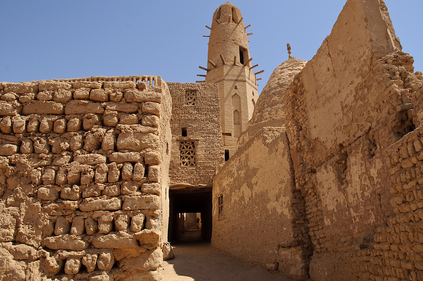 Looking down an alleyway beside the ancient Nasr ad-Din Mosque, in Al Qasr, Dakhla Oasis