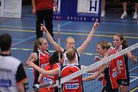 VOLLEYBAL: SNEEK: Sneker Sporthal, DELA League Play-Off Finale, 4e wedstrijd, 01-04-2012, VC Sneek DS1 - Sliedrecht Sport DS1, eindstand 1-3, Ellen van Wijnen (#2   libero VC Sneek) juicht na het winnen van een punt, ©foto Martin de Jong