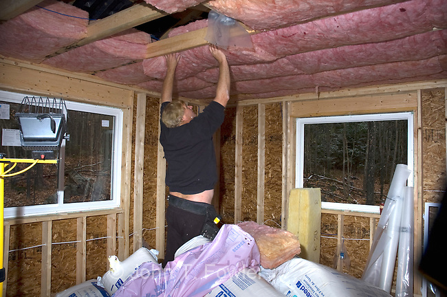 Installing insulation in new home john fowler for New home insulation