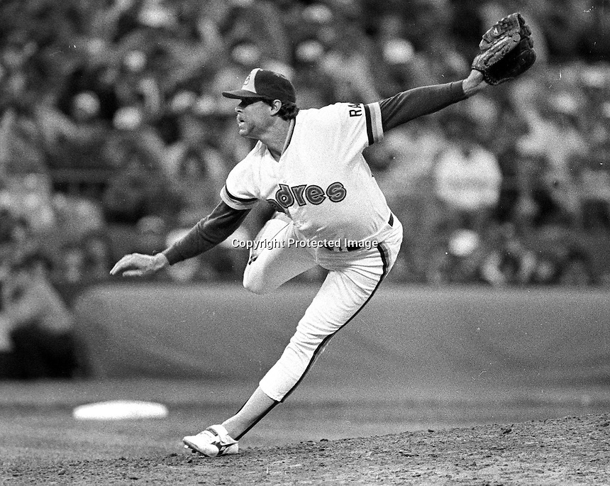 """San Diego Padre Rich """"Goose"""" Gossage pitching in the 1984 MLB All-Star game in San Francisco. (photo/Ron Riesterer)"""