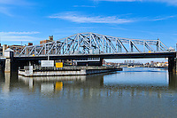 Madison Avenue Bridge over Harlem River, connecting Manhattan and the Bronx, New York City, New York, USA