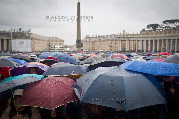 The San Pietro square during the first day of pope conclave  March 13, 2013. Photo: Adamo Di Loreto/BuenaVista*photo