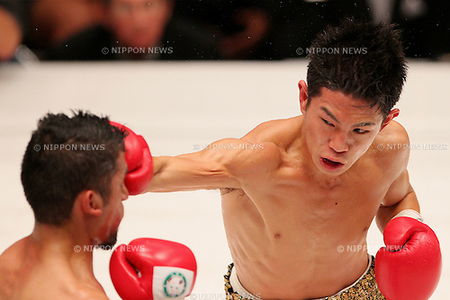 (L to R)  Juan Hernandez (Mex), Kazuto Ioka (JPN), AUGUST 10, 2011 - Boxing : Kazuto Ioka of Japan hits Juan Hernandez of Mexico during the WBC Minimum weight title bout at Korakuen Hall, Tokyo, Japan. Kazuto Ioka of Japan won the fight on points after twelve rounds. (Photo by Yusuke Nakanishi/AFLO) [1090]