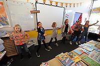 ALGEMEEN: JOURE: Feest vanwege het 40 jarig jubileum van de Westermarskoalle, <br /> &copy;foto Martin de Jong