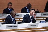 Fussball International Ausserordentlicher FIFA Kongress 2016 im Hallenstadion in Zuerich 26.02.2016 FIFA Interims-Generalsekretaer Markus Kattner (re, Deutschland) und FIFA Interimspraesident Issa Hayatou (Kamerun und CAF Praesident)