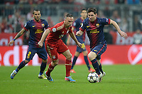 FUSSBALL  CHAMPIONS LEAGUE  HALBFINALE  HINSPIEL  2012/2013      FC Bayern Muenchen - FC Barcelona      23.04.2013 Franck Ribery (li, FC Bayern Muenchen) gegen Lionel Messi (re, Barca)