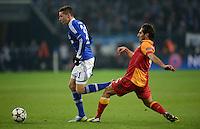 FUSSBALL  CHAMPIONS LEAGUE  ACHTELFINALE  Rueckspiel  2012/2013      FC Schalke 04 - Galatasaray Istanbul                   12.03.2013 Julian Draxler (li, FC Schalke 04) gegen Hamit Altintop (re, Galatasaray Istanbul)