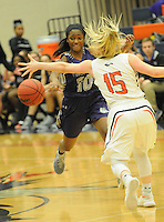 NWA Democrat-Gazette/FLIP PUTTHOFF <br />  Maya Mayberry (10) passes to the basket for the Lady Bulldogs.