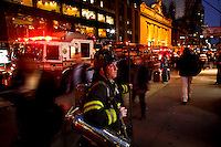 New York, United States, October 4, 2011..FDNY firefighters attend a call of a suspicious fire at midtown of Manhattan in  New York. October 4, 2011. VIEWpress / Eduardo Munoz Alvarez.