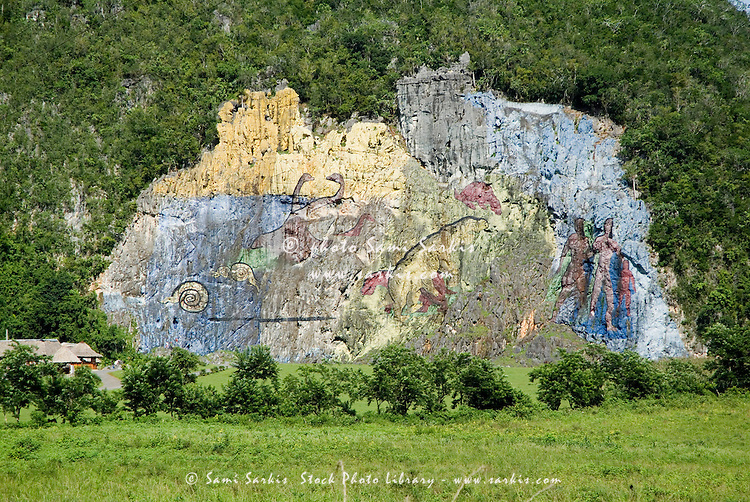 Mural de la prehistoria fresco in the vinales valley cuba for Mural de la prehistoria cuba