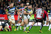 Henry Thomas of Bath Rugby goes on the attack. Aviva Premiership match, between Gloucester Rugby and Bath Rugby on March 26, 2016 at Kingsholm Stadium in Gloucester, England. Photo by: Patrick Khachfe / Onside Images
