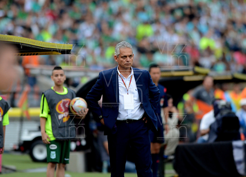 MEDELLÍN -COLOMBIA-16-ABRIL-2016. Reinaldo Rueda director técnico  del  Atlético Nacional  durante partido contra el Envigado FC  por la fecha 13 de Liga Águila I 2016 jugado en el estadio Atanasio Girardot ./ Reinaldo Rueda coach of  Atletico Nacional during the match againts Envigado FC  for the date 13 of the Aguila League I 2016 played at Atanasio Girardot  stadium in Medellin . Photo: VizzorImage / León Monsalve  / Contribuidor