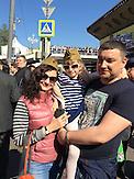 Die Eltern Tatjana und Alexander nehmen mit ihrer Tochter Lira an den Feierlichkeiten des 9.Mai (Tag des Sieges) in Moskau teil./ The parents Tatjana and Alexander participate with their daughter Lira in the celebration of 9th May (Day of Anti-Fascist Victory) in Moscow.