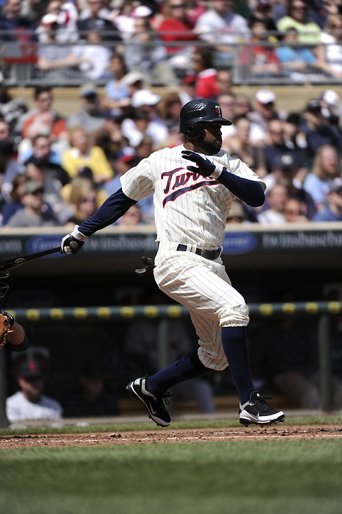 MINNEAPOLIS - APRIL 24:  Denard Span #2 of the Minnesota Twins bats against the Cleveland Indians on April 24, 2011 at Target Field in Minneapolis, Minnesota.  The Twins defeated the Indians 4-3.  (Photo by Ron Vesely)  Subject:  Denard Span
