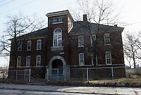 1984 March ..Redevelopment.Huntersville 1&2 (R-70)..LOTT CAREY SCHOOL...NEG#.NRHA#..