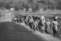 Walking back into the city, Wako Kungo, Planalto, Angola