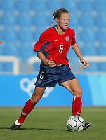 20 August 2004:  Lindsay Tarpley in action against Japan during the quarterfinals at Kaftanzoglio Stadium in Thessaloniki, Greece.     USA defeated Japan, 2-1 .   Credit: Michael Pimentel / ISI