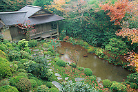 The pond and quiet sturcture at the Jikko-in exempifies the kind of quiet style that Japanese gardens are famous for.
