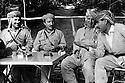 Iraq 1974 <br /> The resumption of hostilities, near Nawpurdan, meeting at the headquarter of Mustafa Barzani   <br /> Irak 1974 <br /> La reprise de la lutte arm&eacute;e, pres de Nawpurdan, membres de l'etat-major du general Barzani, a droite, Dr.Mahmoud Osman