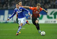 FUSSBALL   1. BUNDESLIGA   SAISON 2011/2012    17. SPIELTAG FC Schalke 04 - SV Werder Bremen                            17.12.2011 Julian Draxler (li, FC Schalke 04) gegen Andreas Wolf (re, SV Werder Bremen)