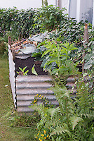 Homemade Compost heap construction of galvanized steel