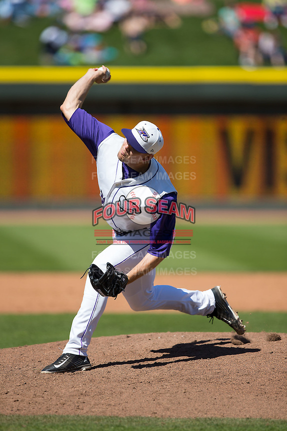 Winston-Salem Dash relief pitcher Jacob Morris (31) delivers a pitch to the plate against the Salem Red Sox at BB&T Ballpark on April 17, 2016 in Winston-Salem, North Carolina.  The Red Sox defeated the Dash 3-1.  (Brian Westerholt/Four Seam Images)
