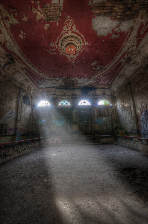 Old Ballroom near Berlin, this place was very rotten, not wise to go up stairs