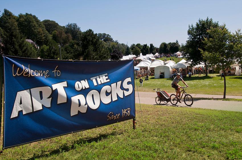 Art on the Rocks art festival at Marquette, Michigan.