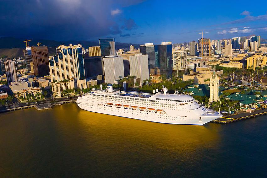Princess Cruises39 Regal Princess Cruise Ship Docked Next