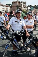 Roma 28 Aprile 2012.Bicifestazione nazionale Salvaiciclisti ai Fori Imperiali. Iniziativa promossa per sensibilizzare sui rischi corsi da chi usa la bicicletta e invitare gli amministratori a rendere la città più idonea alla due ruote. Polizia Municipale in bicicletta.