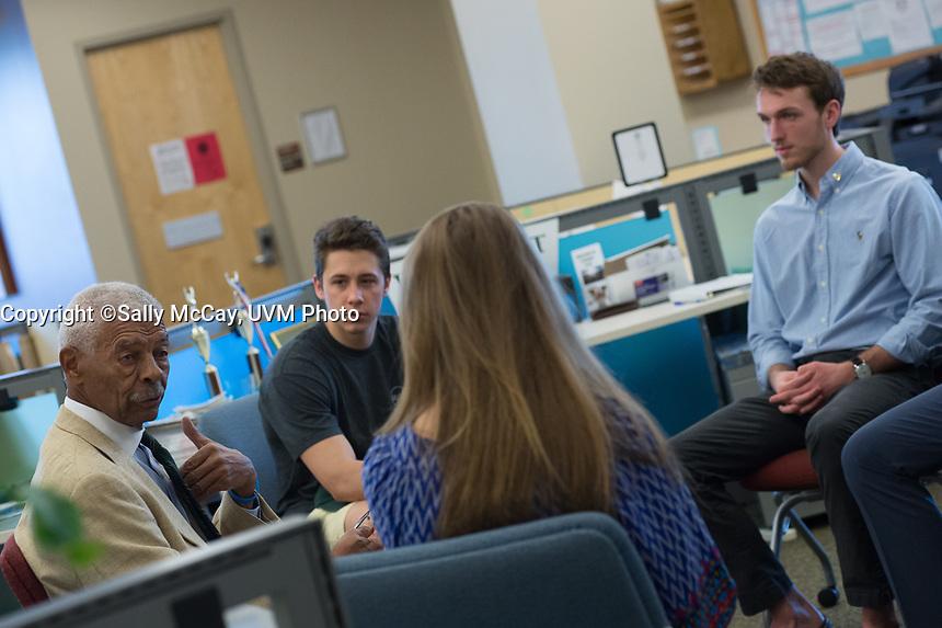 Alumna Bill Pickens talks with students at the SGA office.<br /> Assigned: Thomas.Weaver@uvm.edu